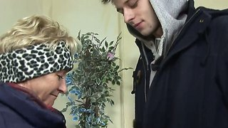 Short haired granny autumn leaf pick uped pretty guy and invited him to visit her home