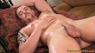 Straight Amateur Hunk Being Tugged By Giving Stud
