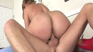 Hot Blonde Bubble Butt Cutie Gets Fucked By Her Horny Doctor