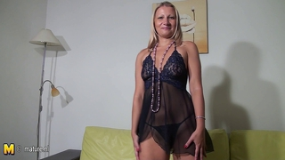 Blonde Mom-Next-Door Masturbate Alone