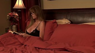 A Real Cougar Works Her Magic Right Here
