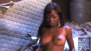 Ebony cocoa shanelle gets pleasured by nerdy dude