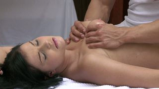 Orgasms Beautiful Young Girl Has Her Sexy Body Massaged