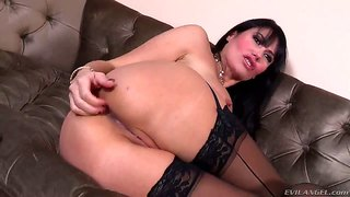 Evil Babe Masturbates While Watching Some Porn!