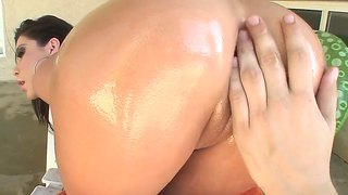 Aleska Nicole Gets Huge Dildo In Anal Hole
