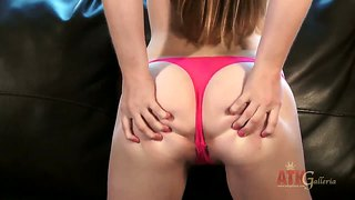 Teen Aurielee Summers Masturbates In Front Of Camera