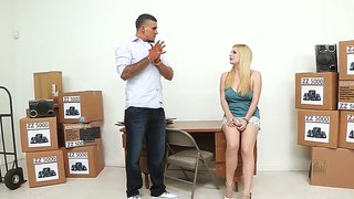 Blondie Clover Is Eating Her Boyfriend Out