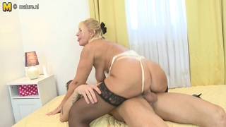 Granny Suck And Gets Fucked By Young Cock