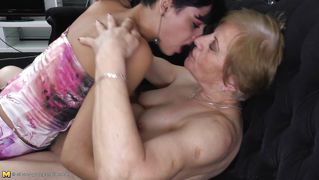 Young brunette licking an old blonde lesbian