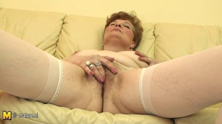 Mature Cunt Play With Her Old Pussy