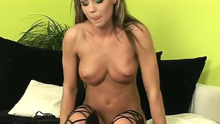 Check out with glorious flirtatious blonde hoochie leila getting herself off