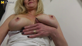 Hot Blonde Mature Mom With Hungry Old Cunt