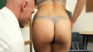 Attractive ashlynn leigh is ready to be banged by a experienced male