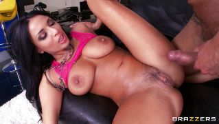 Anissa's Intense Squirting!
