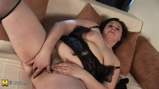 Chubby Mature Mother Playing With Herself