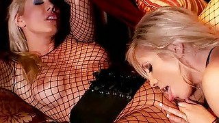 Sandy And Tasha Reign Have Fun