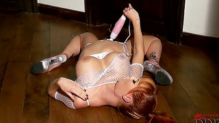 Tarra White Is Having Fun With Gigantic Vibrator