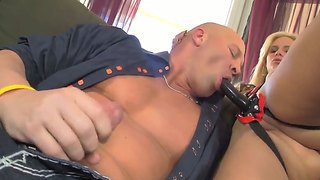 Blonde phoenix marie looks so hot with her huge strapon that christian xxx could not stop sucking it