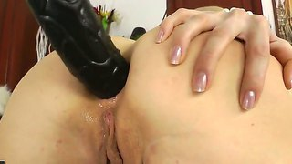 Blonde hottie ann marie lets hunk to stimulate her ass with huge and massive dildo