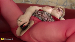 Hot Mature Blonde Mom Jerk Off With Toys
