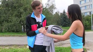 Paula o takes a break from jogging and please horny hunk with an amzing oral session