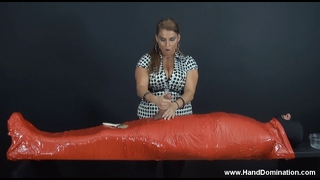 Stacie starr worships a big fat cock with awesome handjob