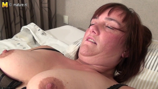 Amateur Mother Loves To Work That Pussy