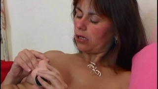 Hairy And Mature Mom Masturbates With Fingers And Dildo