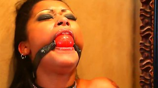 Bdsm Queen Skin Diamond Masturbates In Bathroom