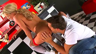 Bree Olson Making Truly Outstanding Blowjob In The 50S Cafe!