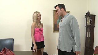 Billy Glide Inserts His Schlong In Lovely Sophia Lynn's Snatch
