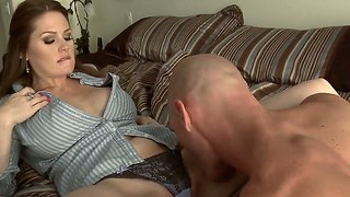 Alison Moore Prefers To Kiss Her Boyfriend And Swallow His Yummy Dick Several Times Per Day