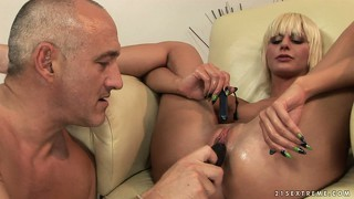 Teaching white angel about big pussy action is a piece of cake with a bat and pussy pump