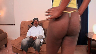 Bubble Butt Sexy Black Momma Gets Her Pussy Pounded Hard