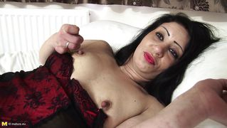 Mature Brunette Alyshia In Stockings
