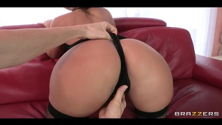 Brazzers - Big-Ass Brunette Liza Del Sierra Oiled & Massaged