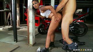 Skin Diamond Nailed By Horny Biker Voodoo