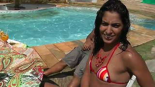 Fernannda, Loupan, Mayara Shelson And Tony Tigrao Enjoy In Playing Dirty Outdoor By The Pool And Revealing Curves