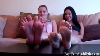 Blow A Big Hot Load All Over My Pretty Feet