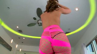 Remy La Croix Shows Big Oiled Butt And Poses On Camera
