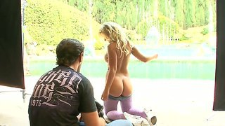 Bubble Buut Hot Babe Aubrey Addams Gets Her Fat Juicy Ass Rammed With A Big Meat Pole