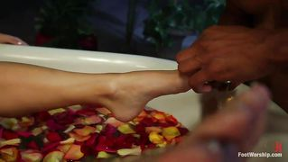 Guy Worshiping Her Feet And Cunt