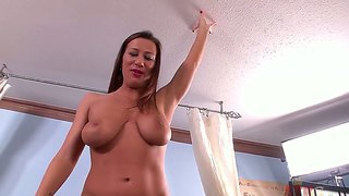Busty Babe Katerine Moss Plays With Fucking Machine