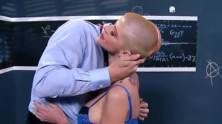 Bald Pornstar Joslyn James With A Big Tits Gets Licked