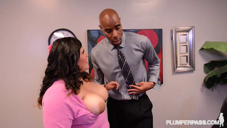 Bbw Latina Office Slut Gets Fucked By Boss On Desk