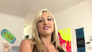 Beautiful Tattoed Slut With Big Titties Dayna Vendetta Are Showing Her Body