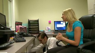 Shawna Lenee Convinces The It Guy To Fuck Her At Work